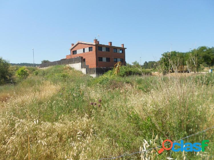 En Artés, espectacular parcela para construir la casa de