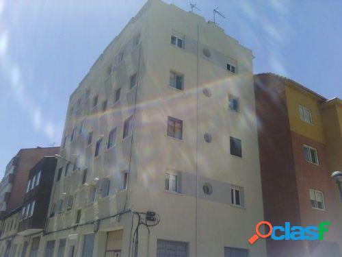 En Burgos, en la zona Sur: Calle San Isidro: Estupendo piso