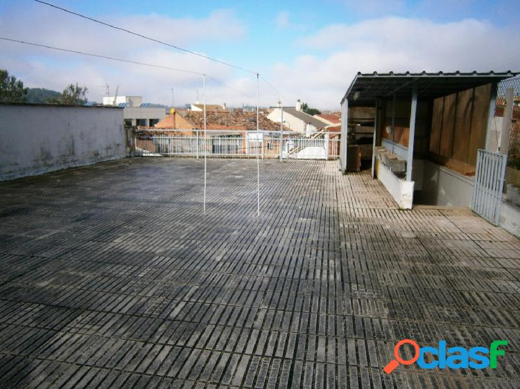 En Navarcles. Casa con 2 pisos independientes ideal para 2