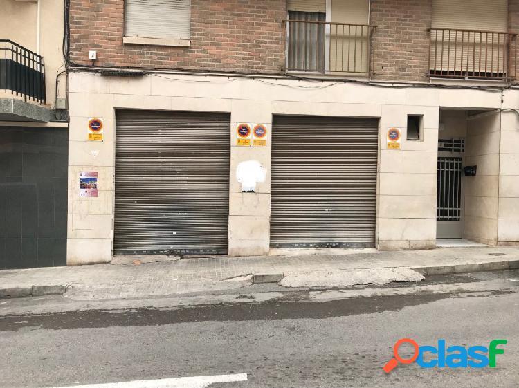 En venta local en la calle Ruiz Gasch de Crevillent