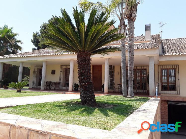 Espectacular Villa de Lujo en El Verdolay sobre parcela de