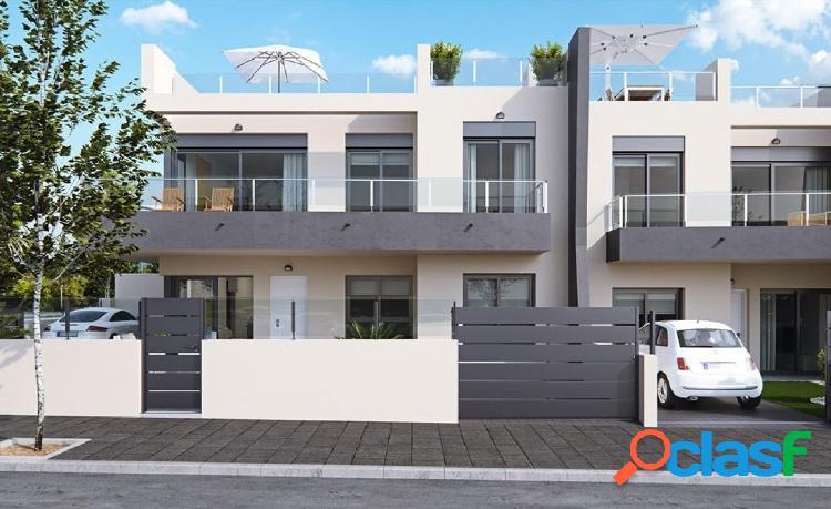 Espectacular bungalow de 1, 2 y 3 dormitorios, con terraza,