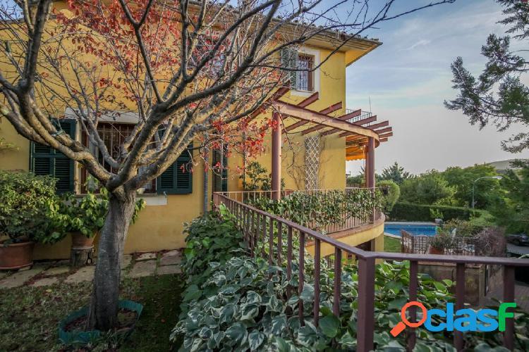 Espectacular chalet con piscina y gran jardín en Son