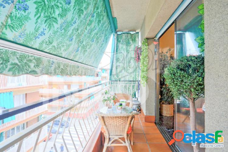 ¡Espectacular piso seminuevo en Premià de Mar!