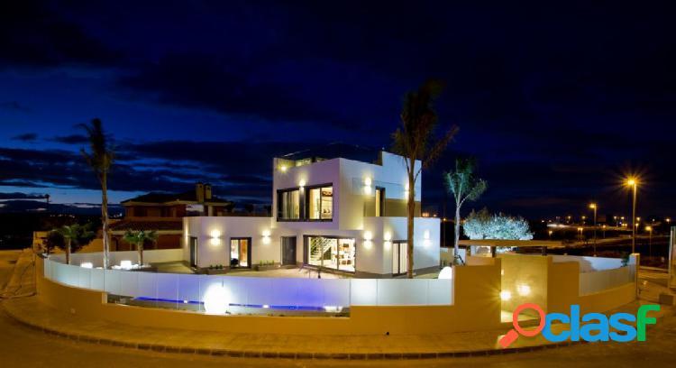 Espectacular villa con todos los lujos a su alcance situada