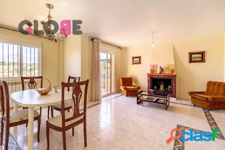 Estupenda casa de 4 dormitorios en Monachil