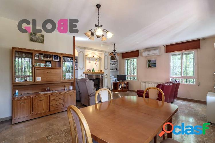Estupenda casa de 4 dormitorios en el barrio de Monachil