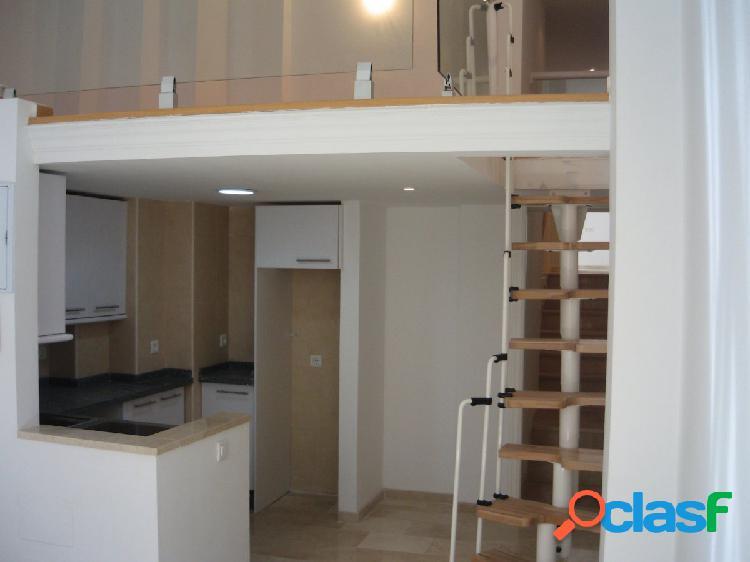 Estupendo apartamento de dos dormitorios y estudio