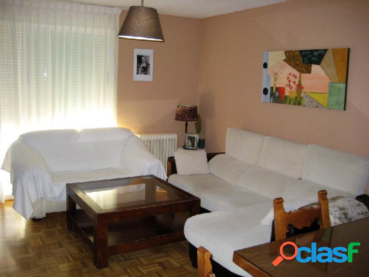 Estupendo piso en Santa Marta con plaza de garaje incluida.