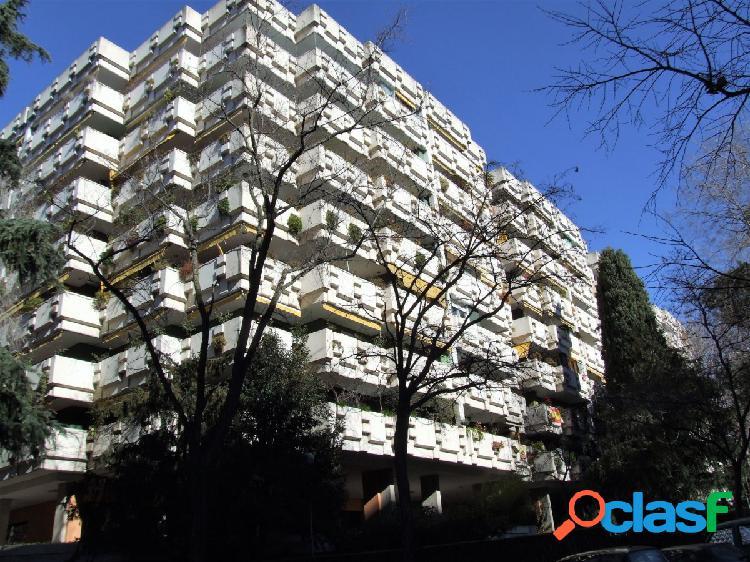 Excelente piso en Mirasierra de 174 metros cuadrados,