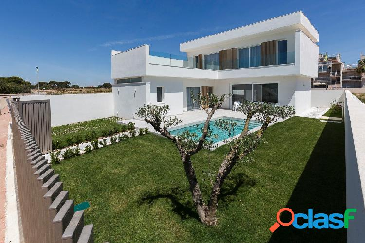 Excelente villa de obra nueva en Santiago de la Ribera