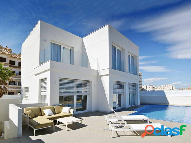 Excellent luxury villa with sea views and luxury finishes