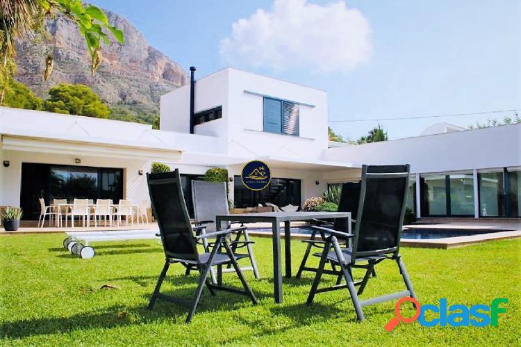Exclusiva Villa de Lujo Minimal en JAVEA, 5 dorm. y vistas