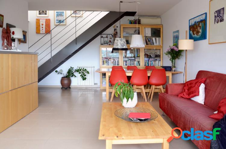 FANTÁSTICO ático dúplex de 127 m2 en Can Casablanques.