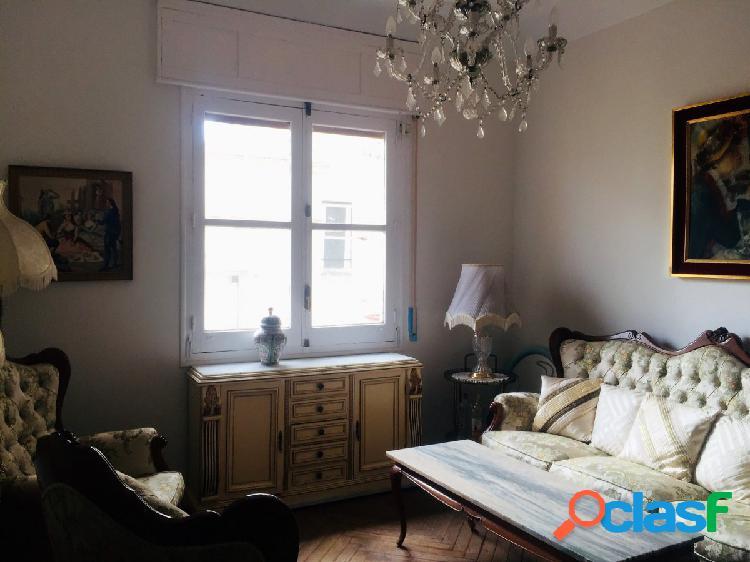Fantastico piso de 3 dormitorios un baño completo y un aseo