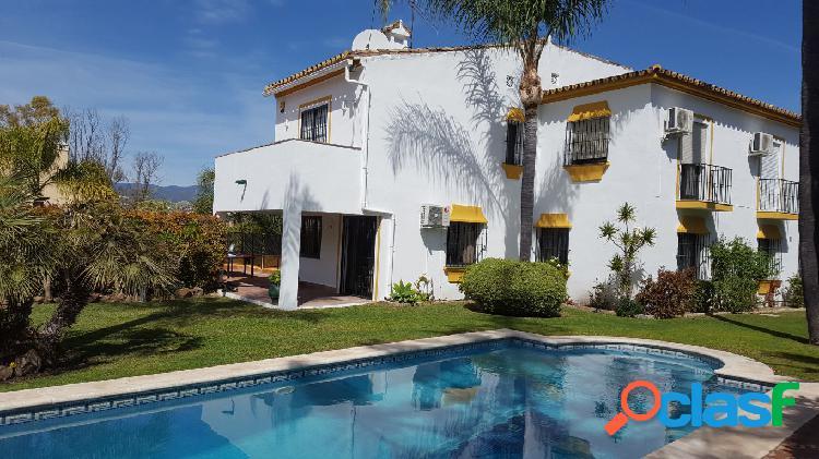 Fantástica Villa de 5 dormitorios en San Pedro Alcántara.