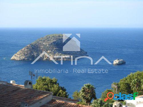 Fantástica villa con espectaculares vistas al mar en la