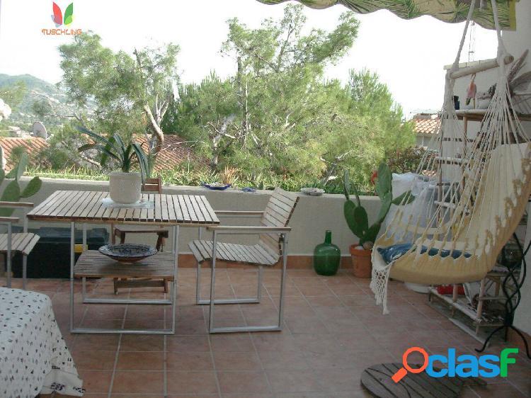 Fantástico Piso en Vallpineda con terraza y piscina