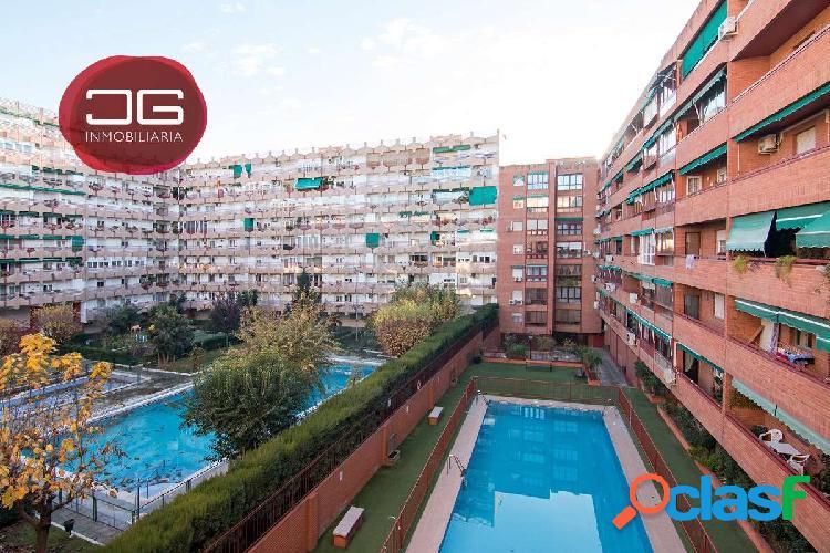 Fantástico piso junto Mondragones, en urbanización privada