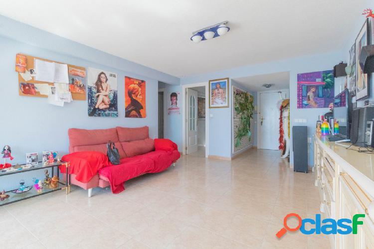 Fantático piso Av. del Mediterráneo de Benidorm