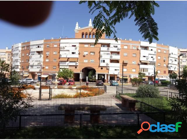 Garaje en alquiler en Montequinto en Edificio España