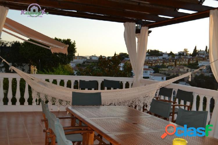Hermosa Villa de lujo y muy moderna en zona muy tranquila y