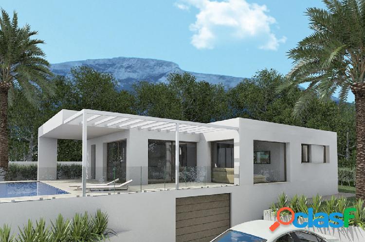 Hermosa villa con vistas al mar en Denia