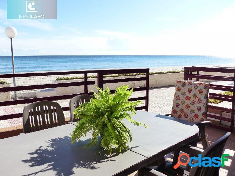 Impresionante adosado en Primera Línea de Playa