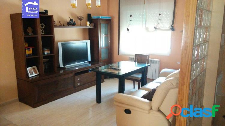 Inmobiliaria Garcia Delgado vende casa adosada en Belicena.