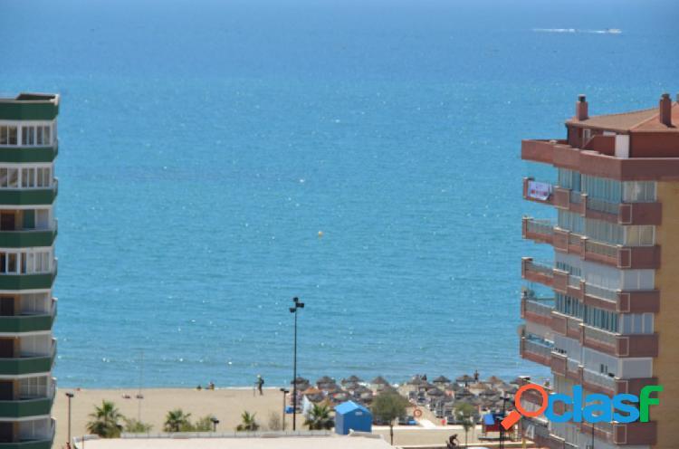 Junto a la Playa de Las Gaviotas precioso piso con vistas