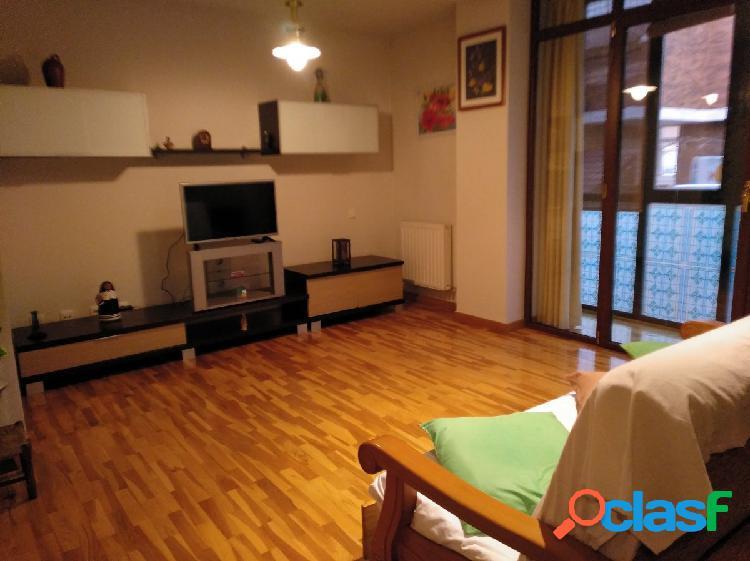 Junto al río Arlanzon 1 dormitorio 65m garaje y trastero
