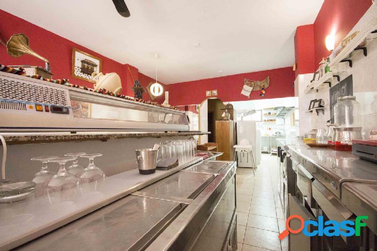 Local Comercial con Cafetería, Trastero y Plaza de Garaje.