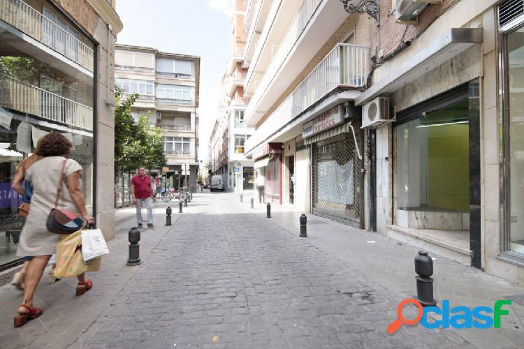 Local Comercial en zona Alhondiga