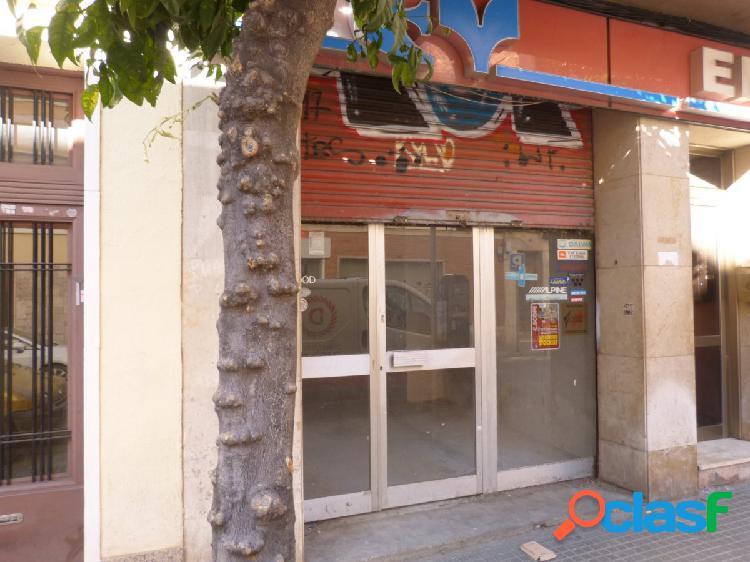 Local comercial a la venta en el centro de Reus...