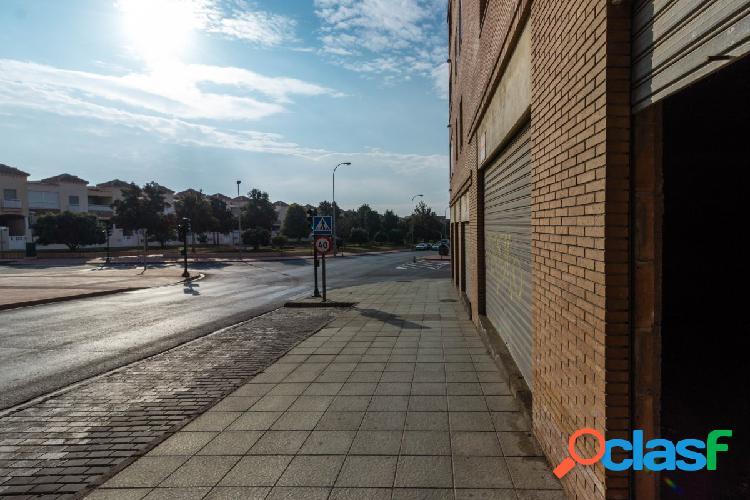 Local comercial en Almeria zona Alcampo