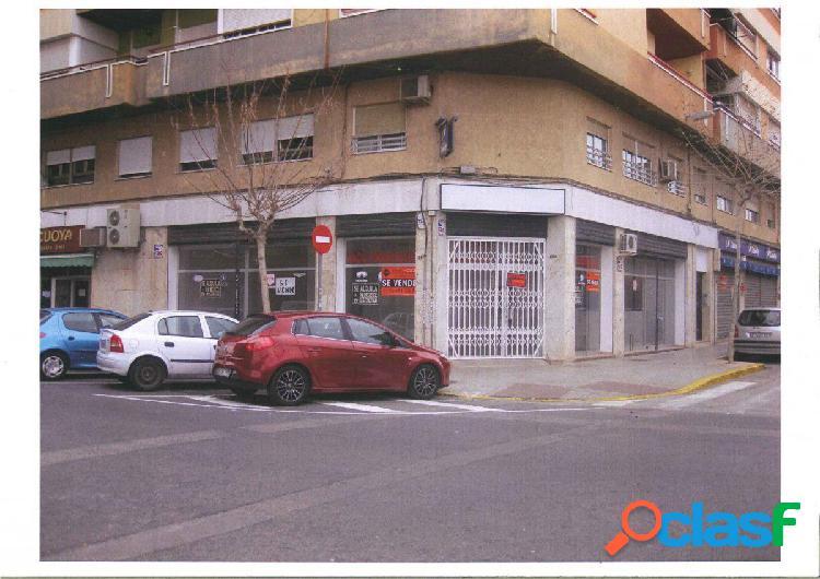 Local comercial en Elche Antonio Machado esq. Julio Sánchez