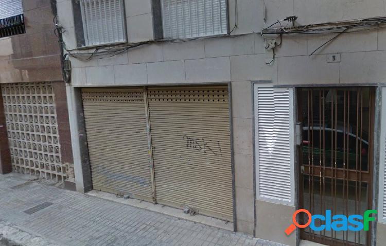 Local comercial en Elche zona Centro, 297 m2 (150m2 + 147 m2
