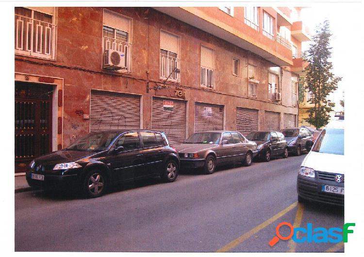Local comercial en Elche zona Centro (Jesuitinas), 130 m2