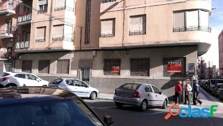 Local comercial en Elche zona Plaza Barcelona, 135 m. de