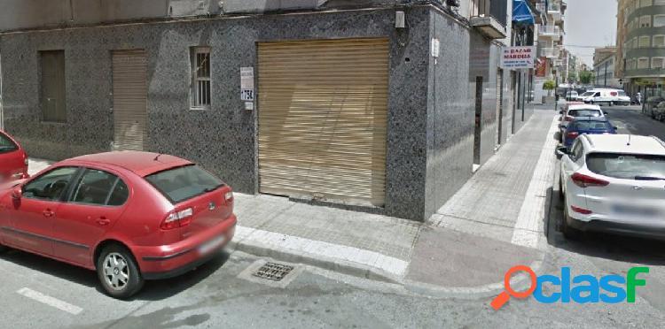 Local comercial en Elche zona Plaza Barcelona, 20 m. de