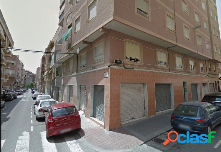 Local comercial en Elche zona Plaza Barcelona, 200 m2