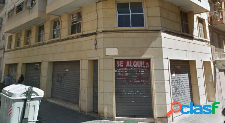 Local comercial en Elche zona Plaza Barcelona, 235 m2