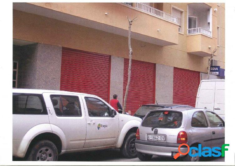 Local comercial en Elche zona Plaza de Castilla, 150 m. de