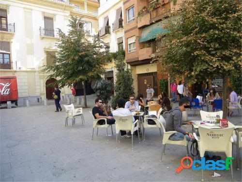 Local comercial en Granada zona Centro, 188 m. de