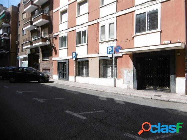 Local comercial en Madrid zona Ventas