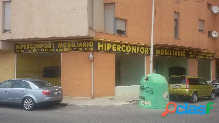 Local comercial en Onda zona Pueblo, 440 m. de superficie, 2