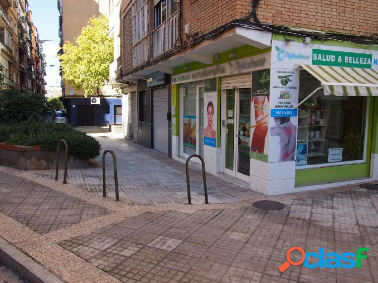 Local comercial en Plaza de Fontiveros de Granada