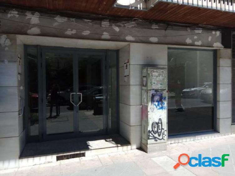 Local comercial en perfecto estado en centro de Granada