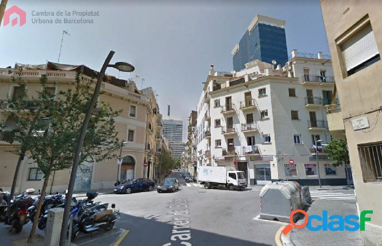 Local comercial en pleno centro de Barcelona, situado en
