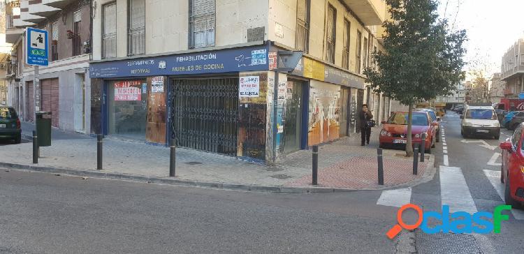 Local comercial esquina Federico Garcia Lorca